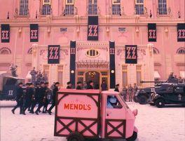 7a5869e2f0fee184a20604e56f09a09b--hotel-budapest-the-grand-budapest-hotel